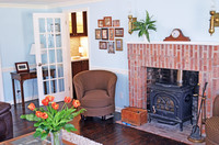living room with en suite wet bat